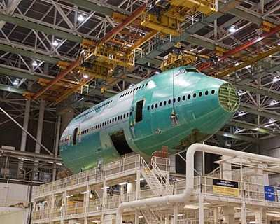 Boeing-747-8-Forward-Fuselage-0910a.jpg