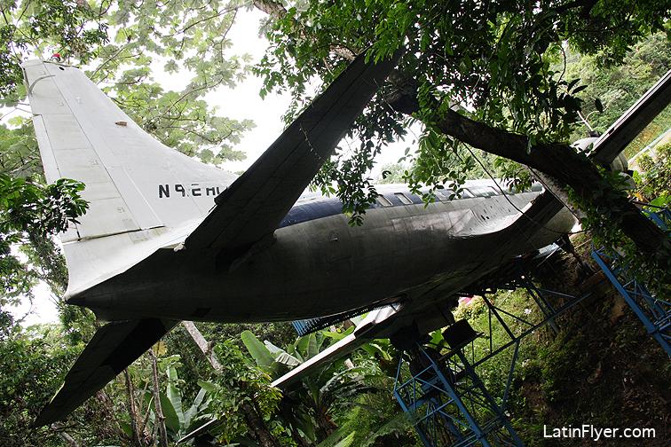 aviones8878low.jpg