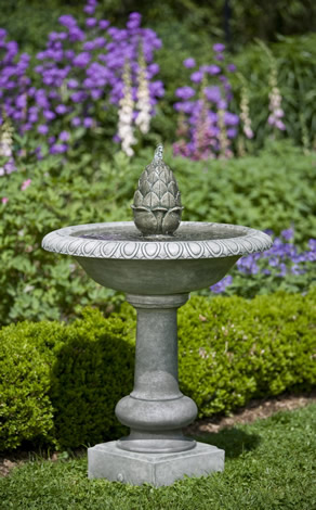 Williamsburg Pineapple Fountain