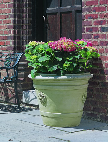 Certosa Medallion Planter $425