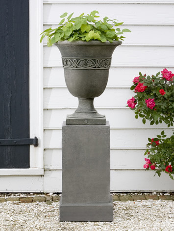 Williamsburg Strapwork Leaf Urn