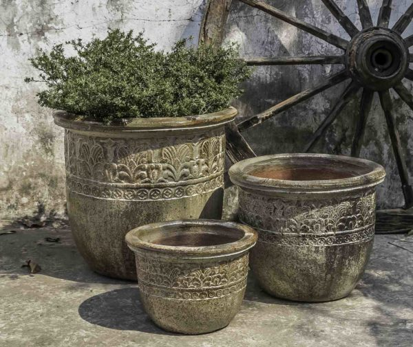 Belize Planter - Rustic Ironstone Sand