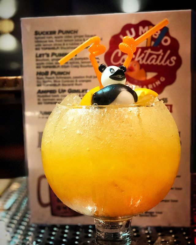 Happy Hump Day! Come on down to brews to enjoy our GO BIG specials. $19 Happy Hour pitchers and $33 dollar Mega Mules and Fishbowl cocktails! Enjoy the new additions to our lineup, inspired by the flavors of fall, like this Let's Pumpkin fishbowl! 🥂🍺 . . . . #fallcocktails #pumpkin #fishbowls #fall #autumn #party #beer #brewsnyc
