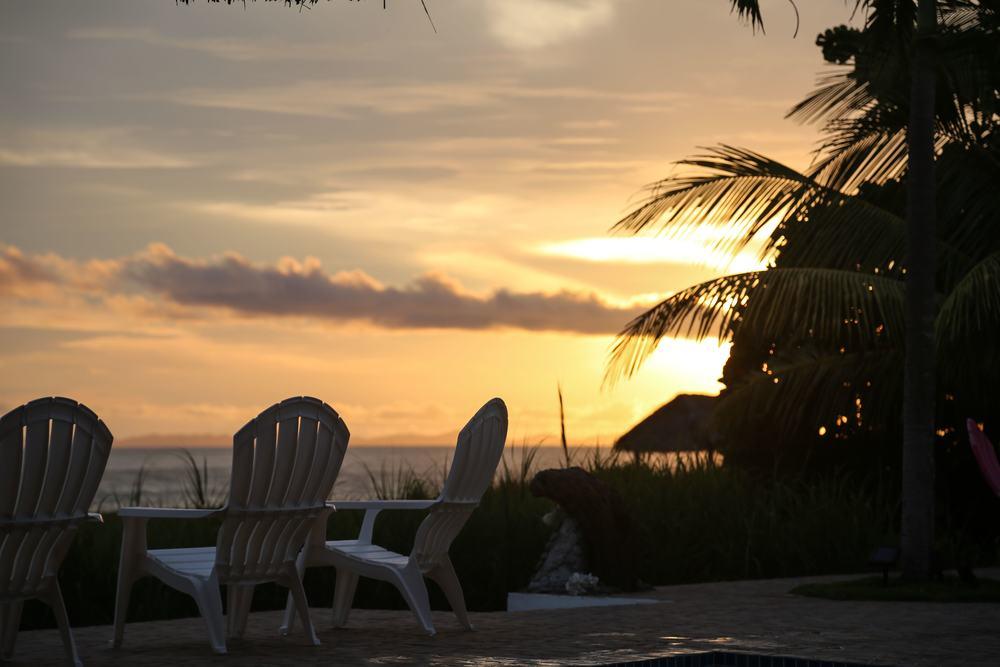 sunsetchairsweb.jpg