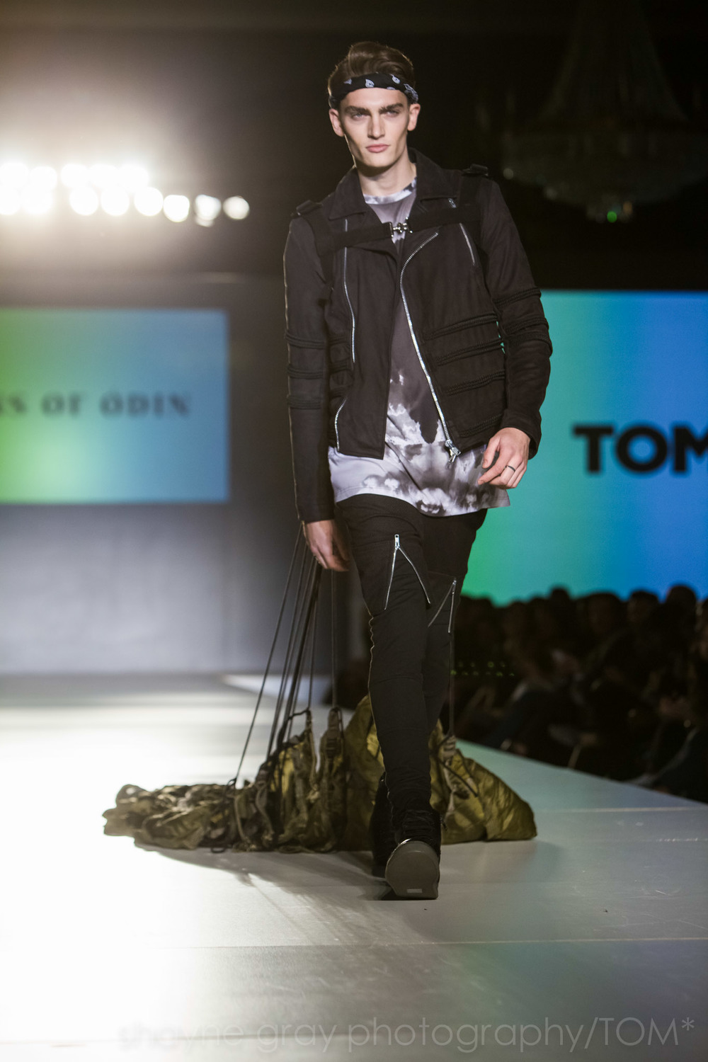 Shayne-Gray-Toronto-men's-fashion_week-TOM-sons-of-odin-8578.jpg