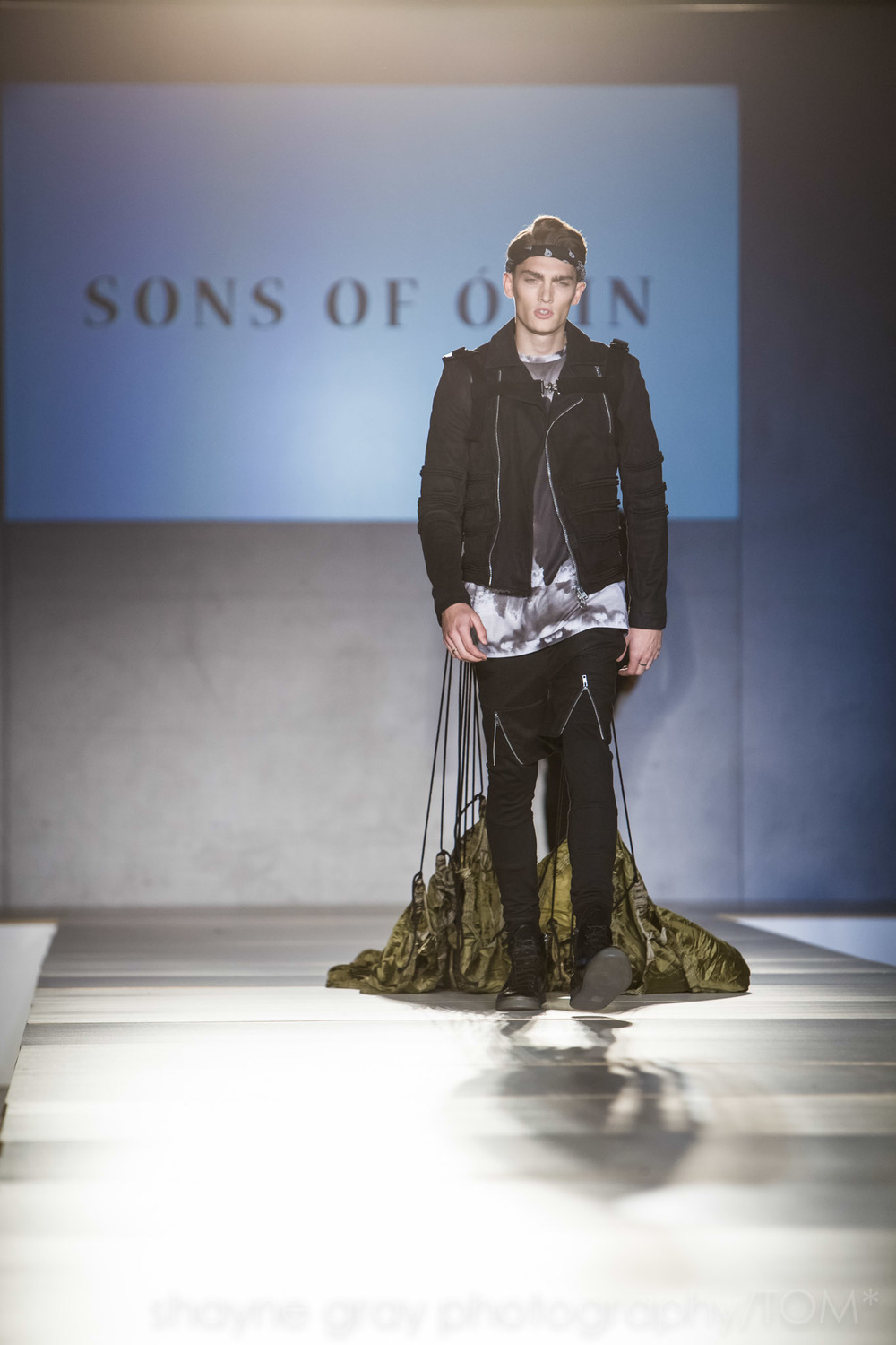 Shayne-Gray-Toronto-men's-fashion_week-TOM-sons-of-odin-8573.jpg