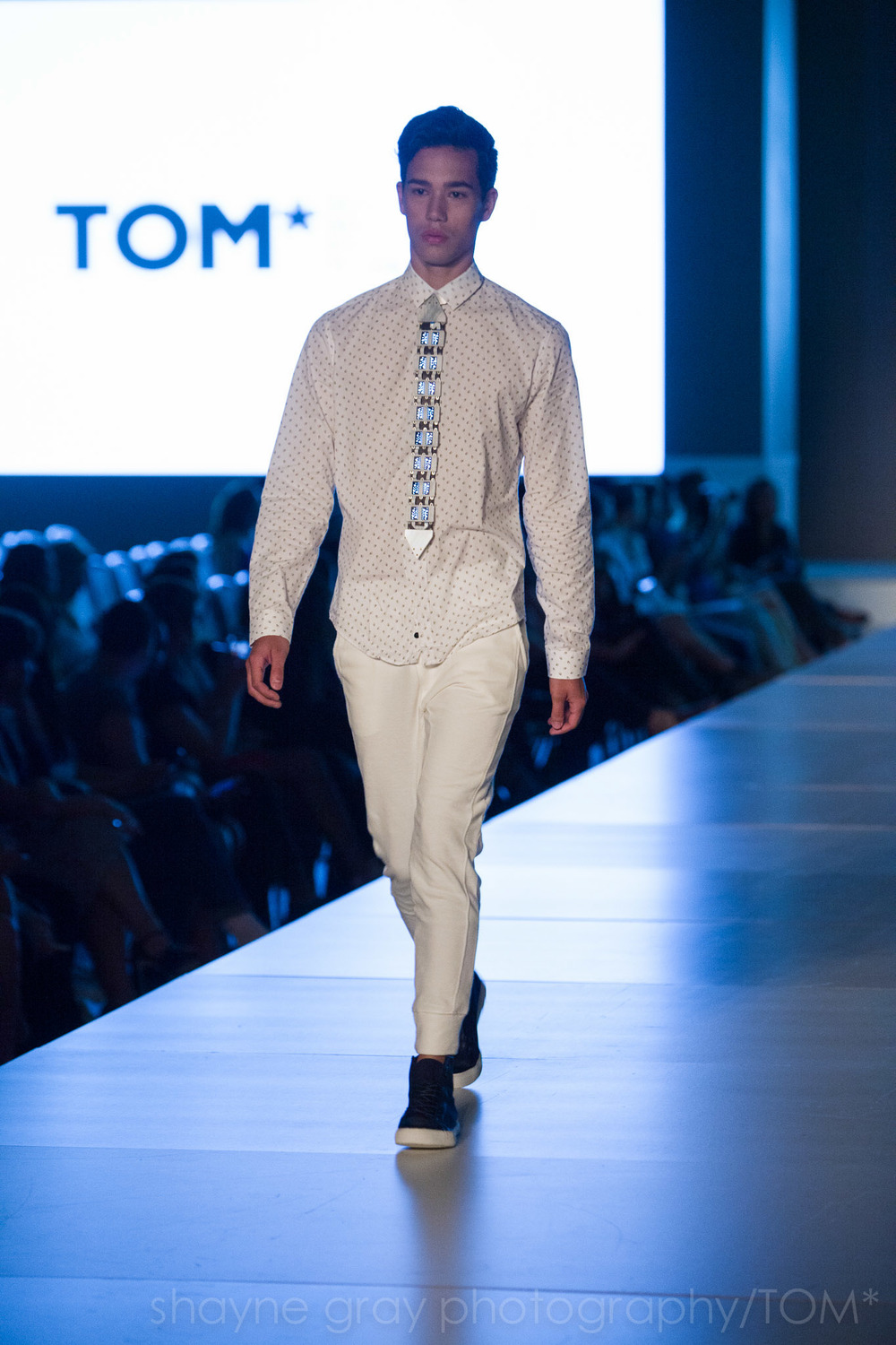 Shayne-Gray-Toronto-men's-fashion_week-TOM-wearables-wearable-technology-8730.jpg