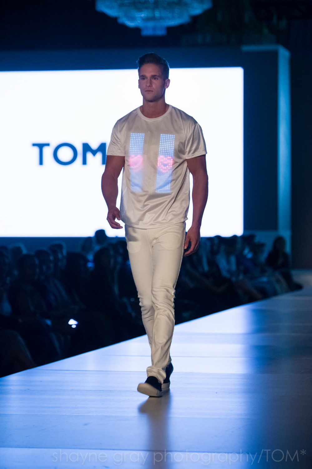 Shayne-Gray-Toronto-men's-fashion_week-TOM-wearables-wearable-technology-8741.jpg
