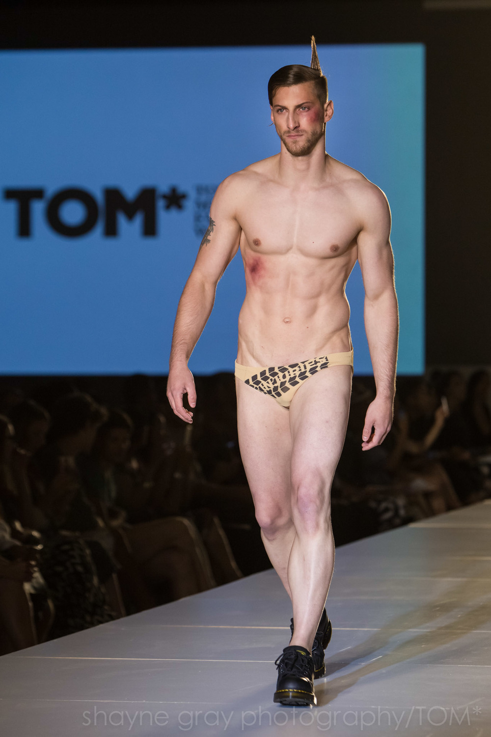 Shayne-Gray-Toronto-men's-fashion_week-TOM-lafaille-7620.jpg