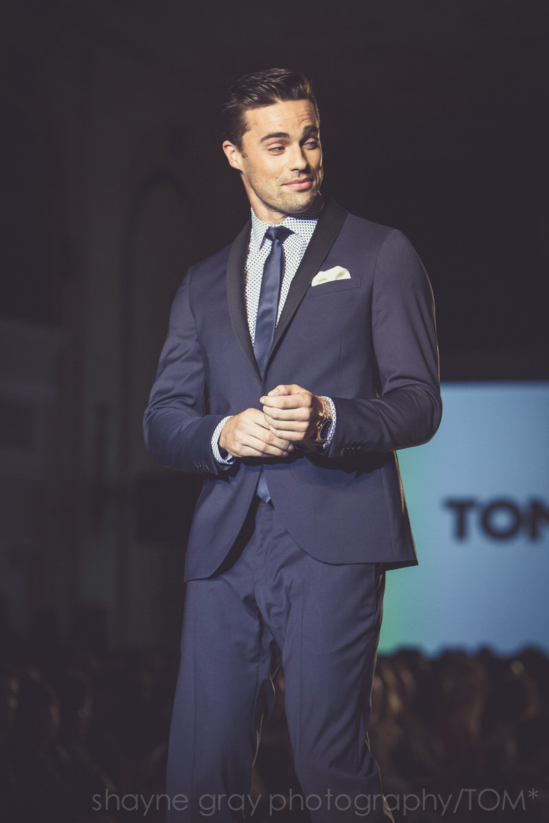 Shayne-Gray-Toronto-men's-fashion_week-TOM-tim-warmels-new-bachelor-8346