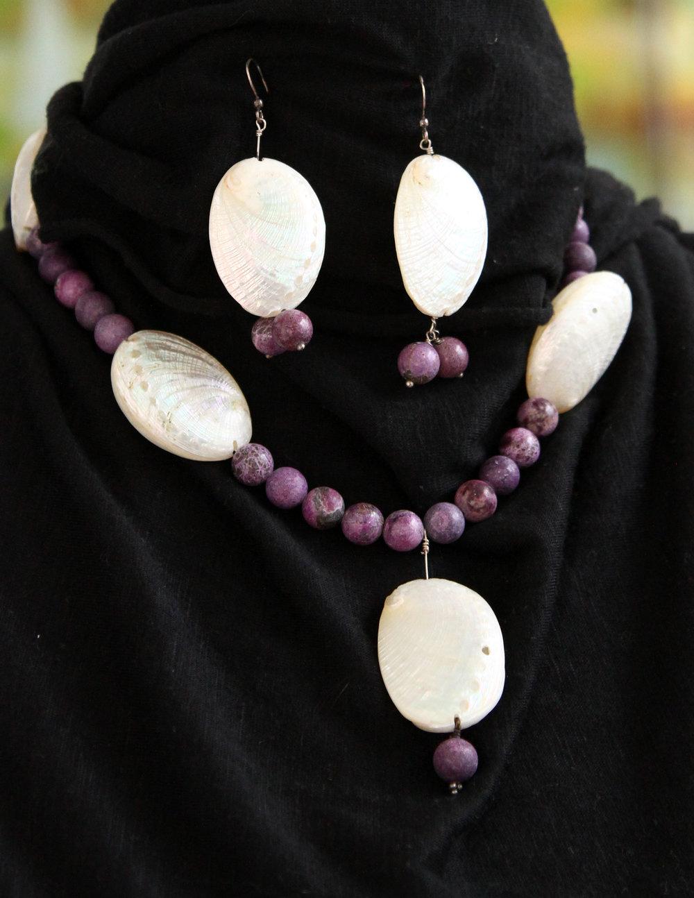 semi-preciousnecklace-earrings_001.JPG