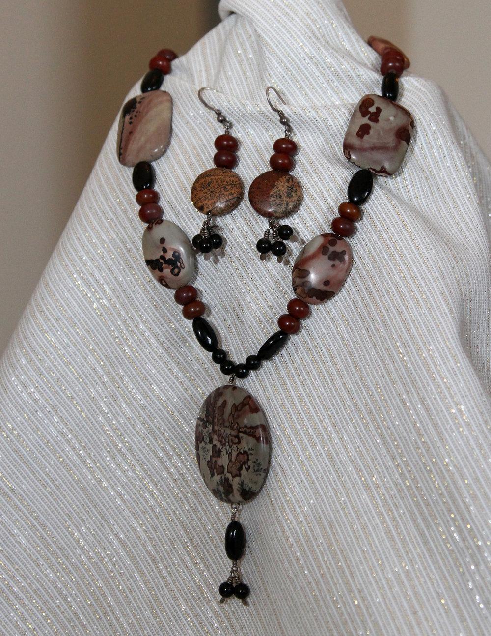 semi-preciousnecklace-earrings_006.JPG