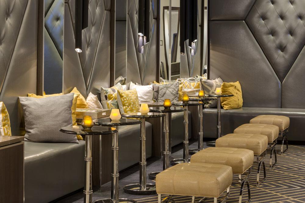 Hand Lounge.jpg