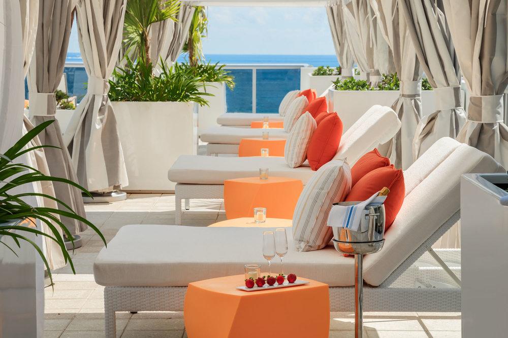 20140308_Hilton-Upper_Pool_Cabanas_ret.jpg