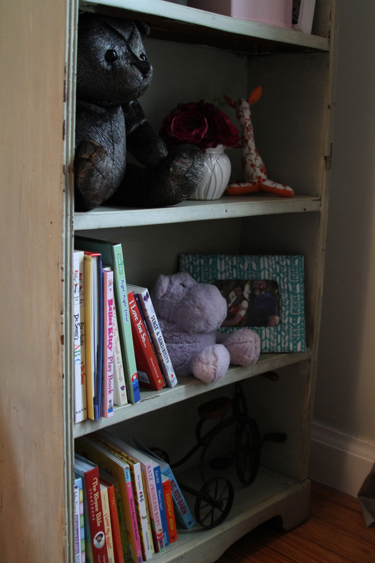Zara baby hair accessories - Underneath Zara S Hair Accessories Is A Small Beat Up Shelf That I Found At A Thrift Store A Few Years Ago It S The Perfect Size For Zara S Favorite Books