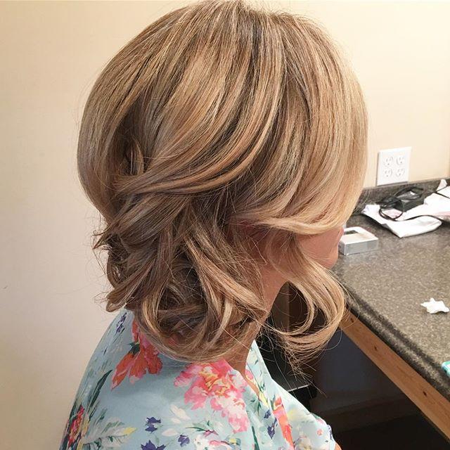 Pretty little bridal hairs. 😍🙌🏻