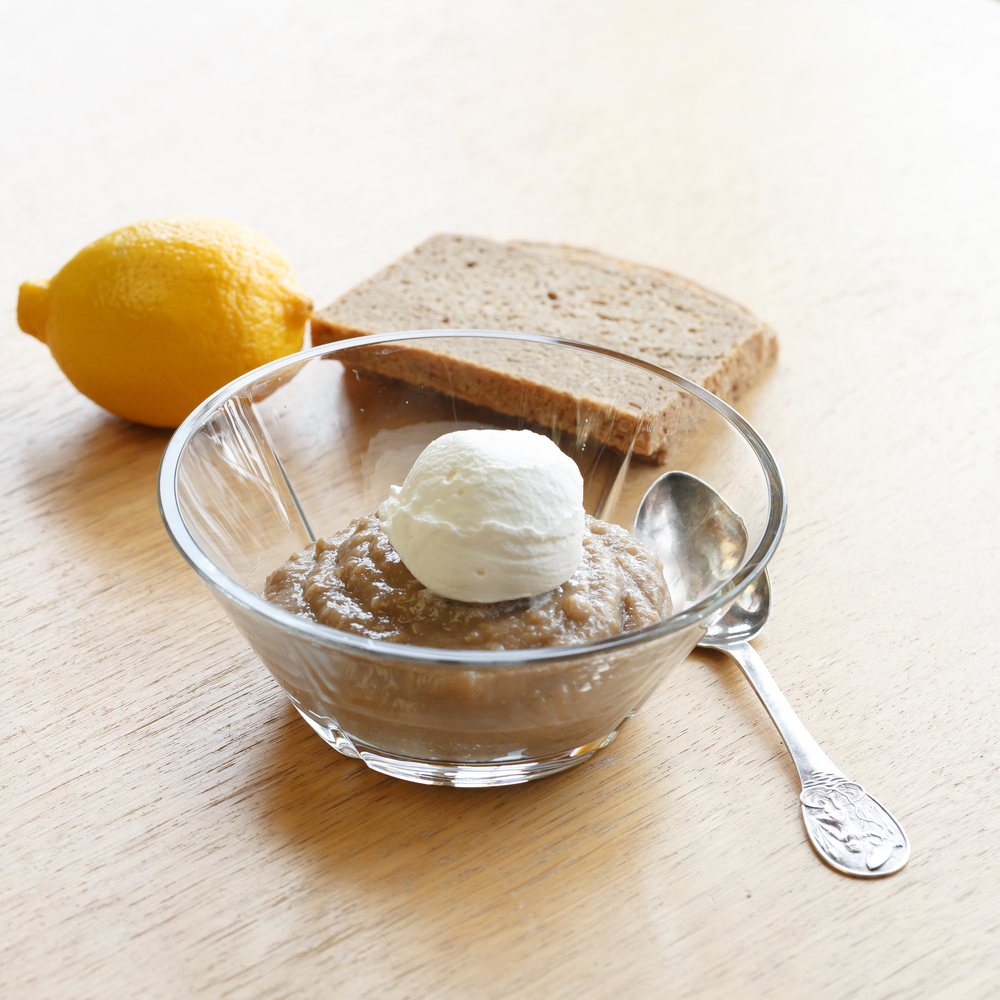 Øllebrød med meget flødeskum -  Danish rye bread porridge with a big scoop whipped cream.
