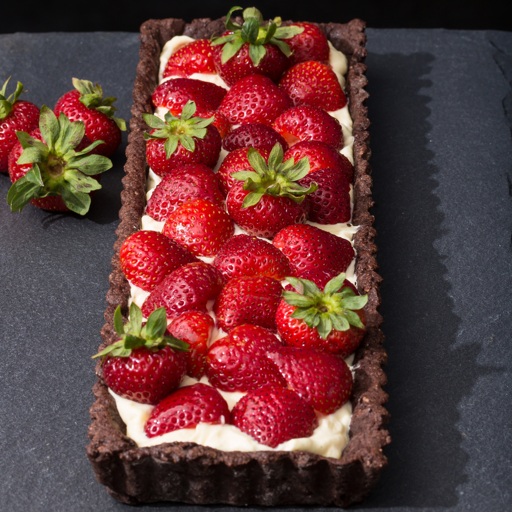 Strawberry Tart with Chocolate Crust