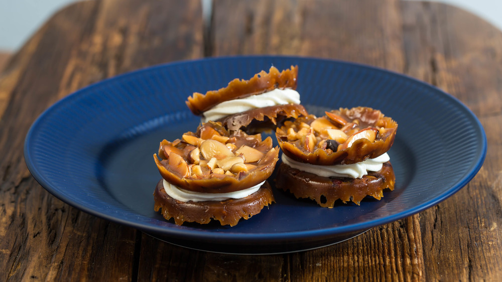 Florentines with Vanilla Buttercream