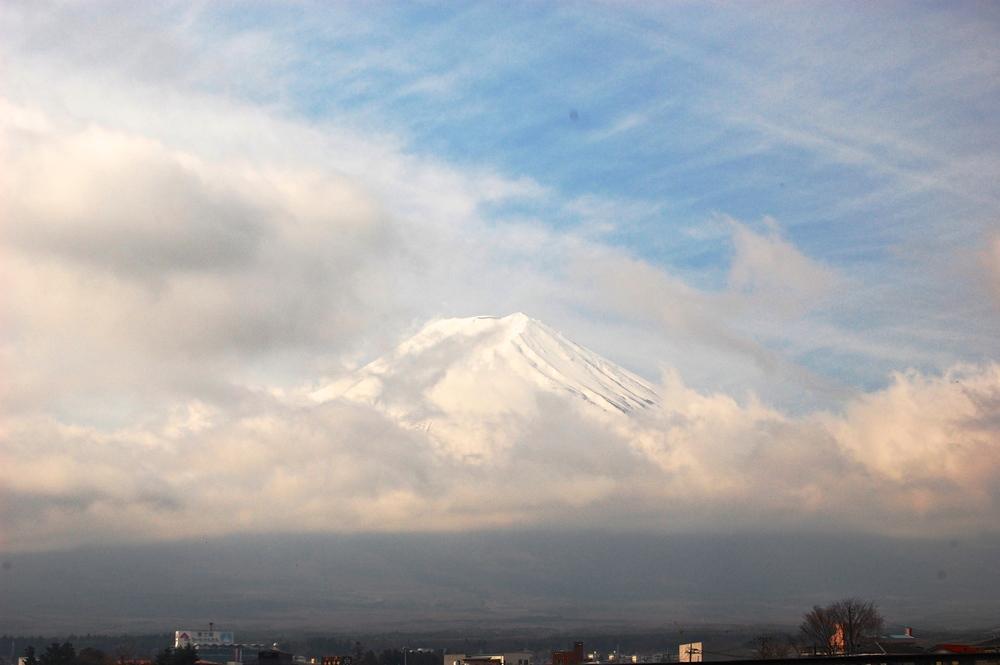 The beautiful lady in white, Mount Fuji.