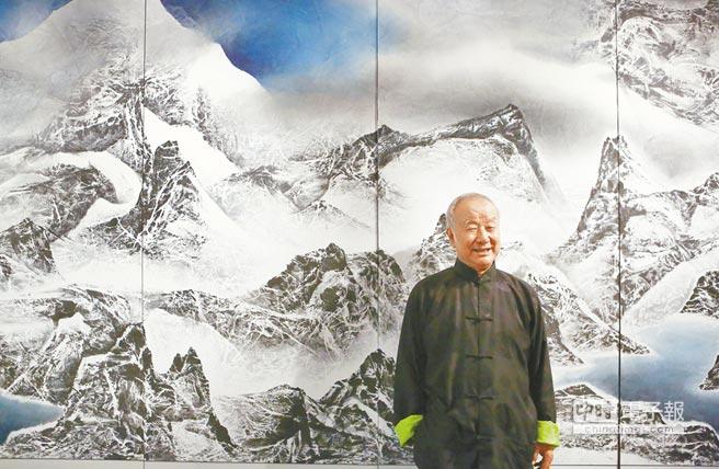水墨新意  劉國松對現代水墨畫的發展影響深遠,「革命.復興:劉國松繪畫大展」    即日  起至11月23日在國立歷史博物館展出。(鄧博仁攝)