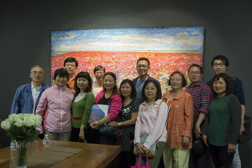 翁明哲與學生們