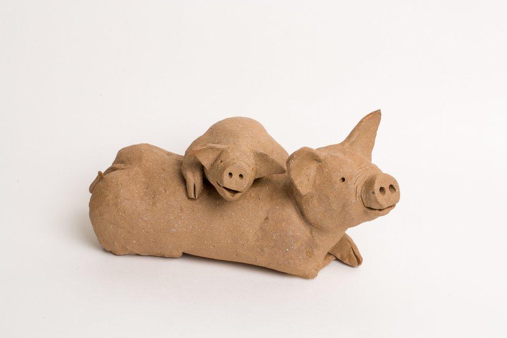 母子豬 31x20x15cm 陶雕 1994