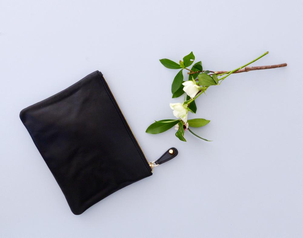 Nomadic Bare Essentials Pouch