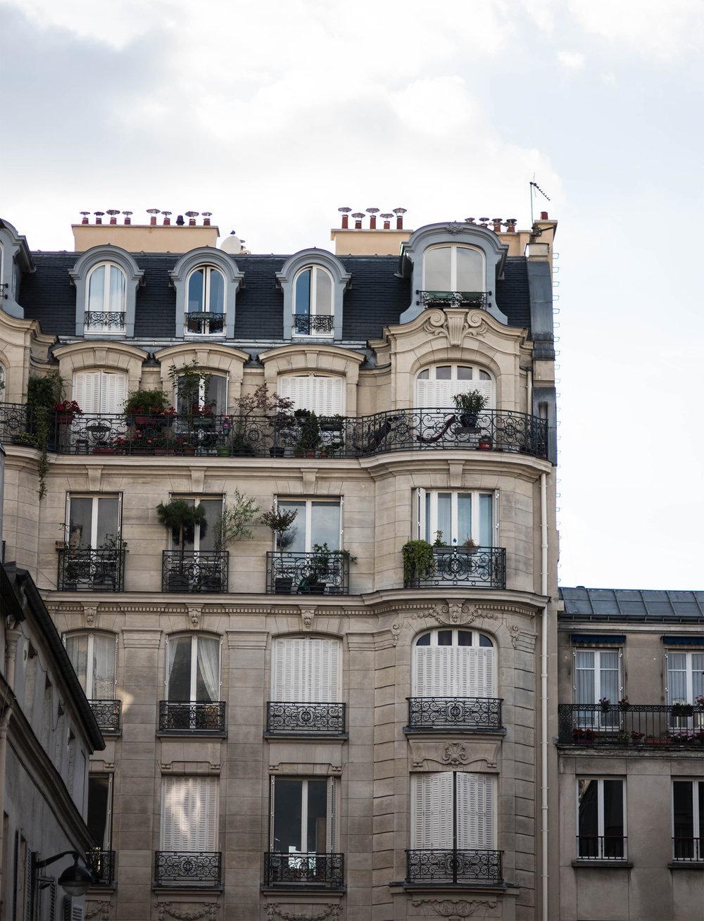 Badlands_ParisMonochrome1.jpg
