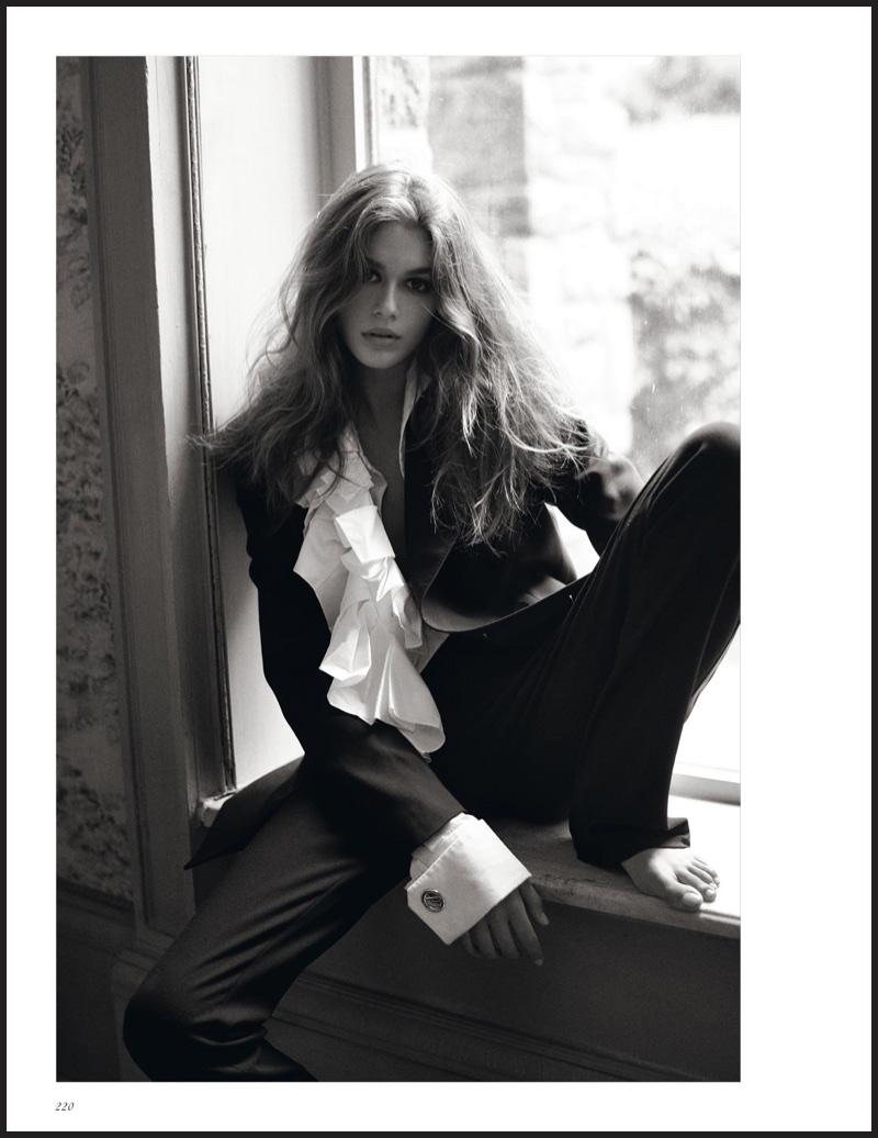 Kaia-Gerber-Fall-Outerwear-Vogue-UK-October-2017-Editorial01-2.jpg