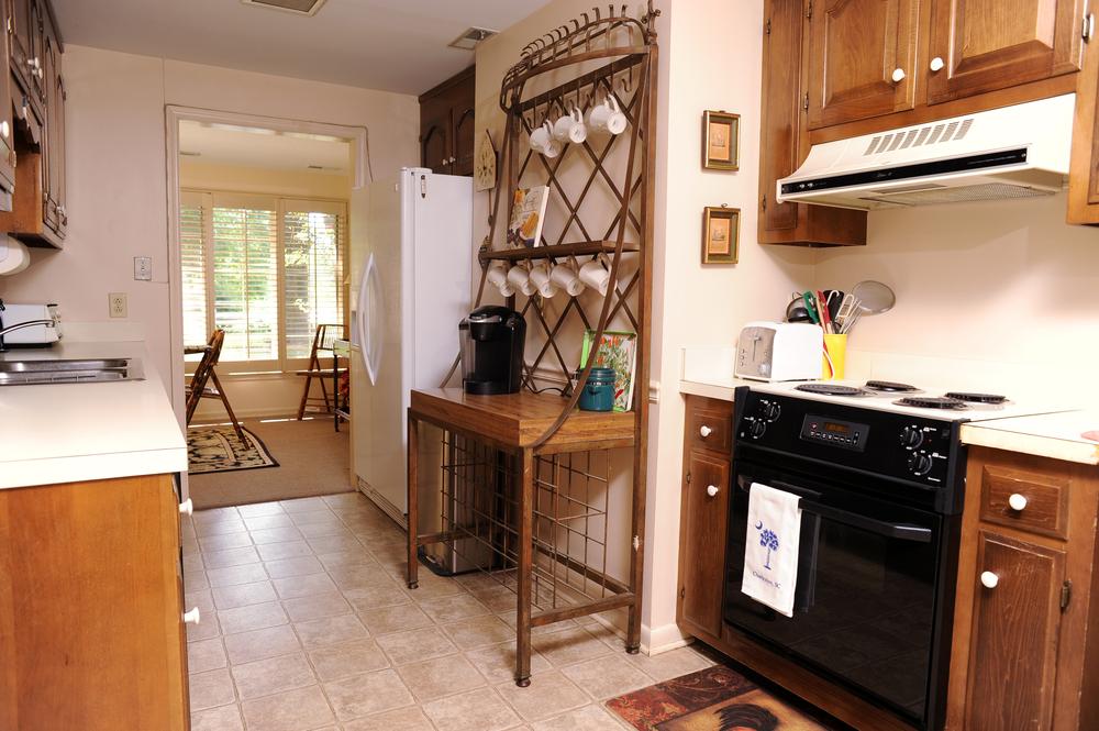 GeneralsRetreat-kitchen1.jpg