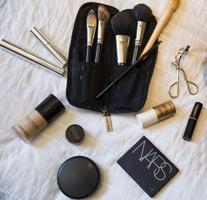 In Elle's makeup kit: Giorgio Armani, Nars, MAC