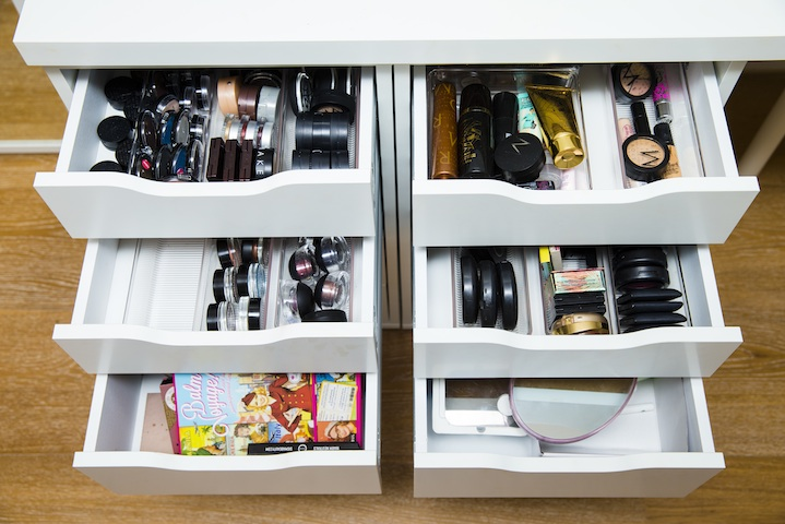 Lauren keeps her vast makeup kit in drawers from Ikea