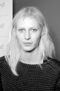 Julia Nobis, Priscillas Model Management