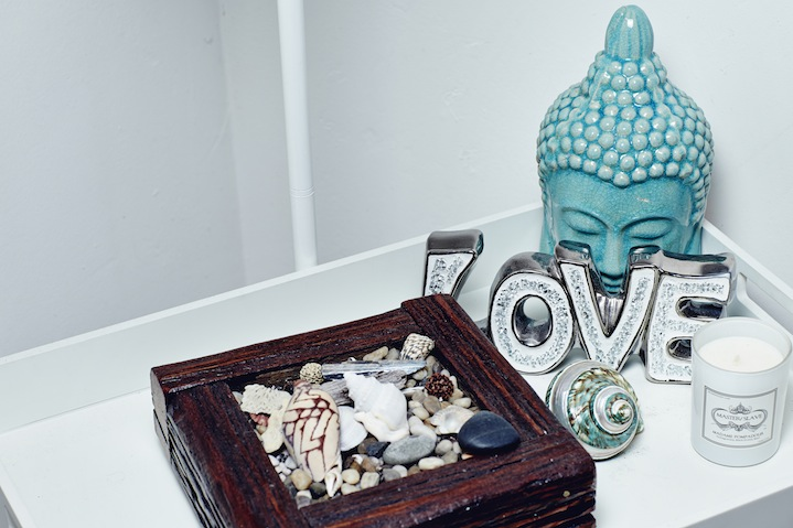 Beach-inspired trinkets and Buddhist ornaments