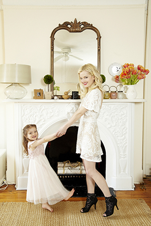Elle with her daughter Honor