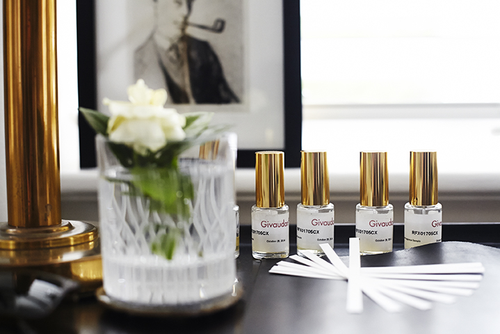 Line up; a sucession of fragrance samples