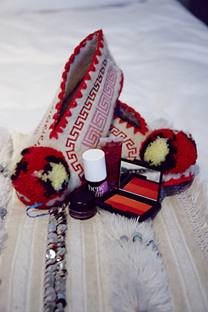 Pom Pom slippers from Mykonos and colourful makeup
