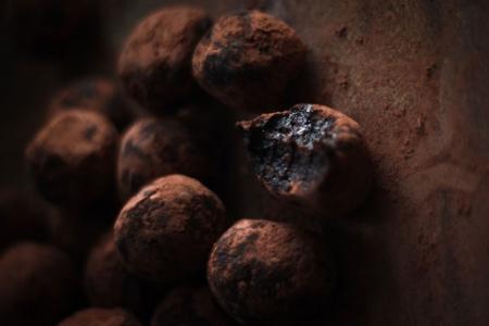 Date & Cacao Raw Truffles
