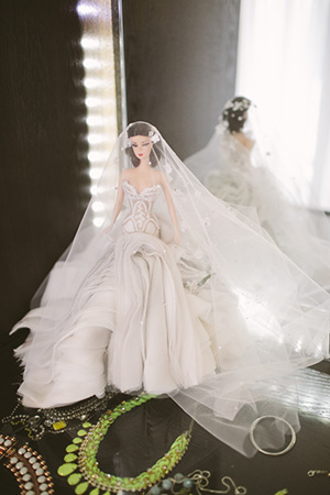 J'aton made sure Bec would always remember her wedding gown, creating a miniature replica.