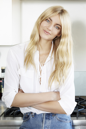 The model's gorgeous blonde tresses are easy to tame