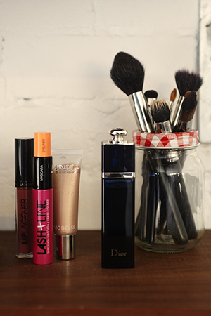 anna's modelco makeup, brushes, and dior scent