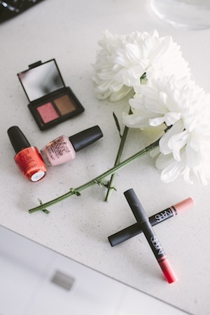 the blogger favours opi for nails and nars lip pencils in tea rose and coral