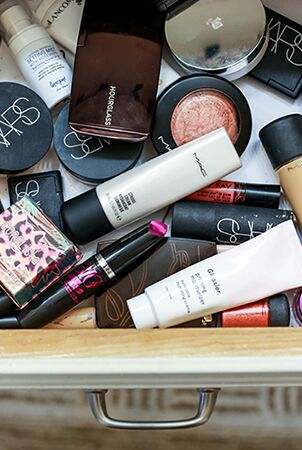 A PEEK INto Louise's MAKEUP COLLECTION