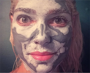 Ashley uses the Swisse Manuka Honey Detoxifying Facial Mask as a post flight rejuvenator.