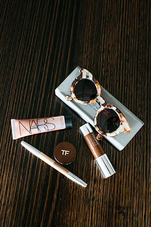 tom ford escapade illuminator, nars illuminator in orgasm, clinique chubby stick in curvy contour and shu uemera duo pencil are a few of jess's stage staples. her ison glasses are perfect for before she hits the makeup chair.