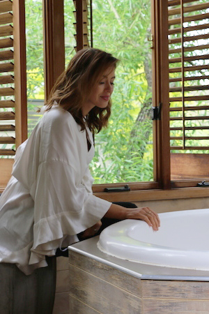 sigourney admires the deep tubs at salus spa