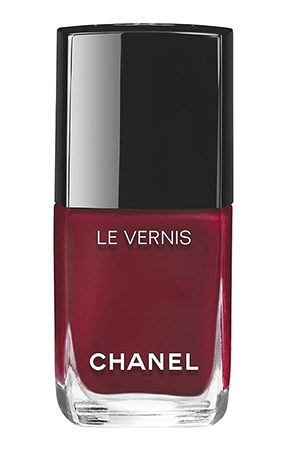 Chanel Le Vernish Nail Polish in Mythique