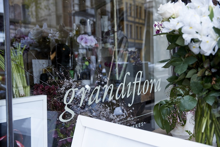 A shopfront marked by the incredible scent of seasonal blooms