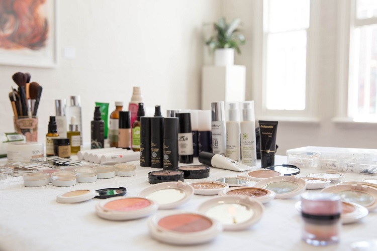 Makeup Kit.jpg